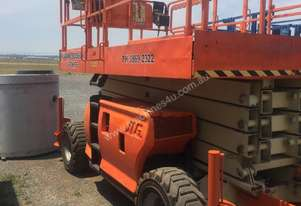 Jlg   43 FT RTS SCISSOR LIFT