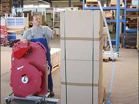 Semi Automatic Pallet Strapping Machine - picture3' - Click to enlarge