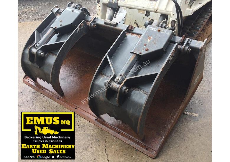 1880mm Skid Steer Grapple Bucket with universal hitch.  AS171