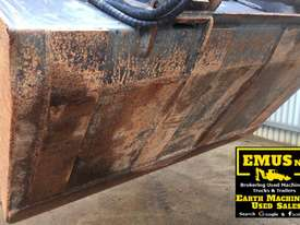 1880mm Skid Steer Grapple Bucket with universal hitch.  AS171 - picture2' - Click to enlarge