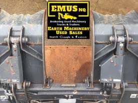 1880mm Skid Steer Grapple Bucket with universal hitch. EMUS AS171 - picture3' - Click to enlarge