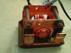 Pnuevibe Compaction Plate - picture5' - Click to enlarge