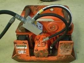 Pnuevibe Compaction Plate - picture6' - Click to enlarge