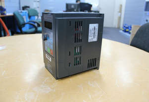 5.5kw/7 HP 25A 240V AC  single phase variable frequency drive inverter VSD VFD