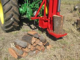 Cougar PM-30 Linkage PTO Log Splitter - picture2' - Click to enlarge