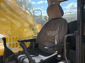 2014 Komatsu PC550LC, excellent cond, low hrs.  MS578 - picture3' - Click to enlarge