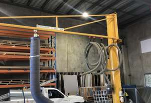 Millson Hoists Jumbo lifter