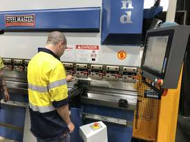 Feature Packed 135Ton x 4000mm CNC Pressbrake With CNC Touch Screen Controller & Laser Guards - picture0' - Click to enlarge