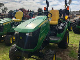 John Deere 1025R FWA/4WD Tractor - picture0' - Click to enlarge