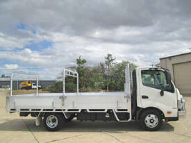 Hino 616 - 300 Series Tray Truck - picture2' - Click to enlarge