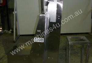 Stainless Steel Inclined Belt Conveyor.