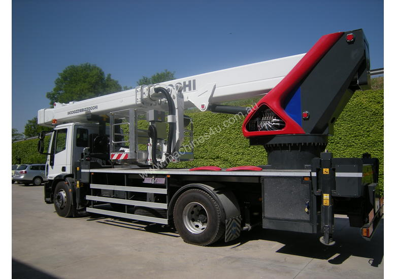 CTE B-Lift 430 HR Truck-Mounted Platform