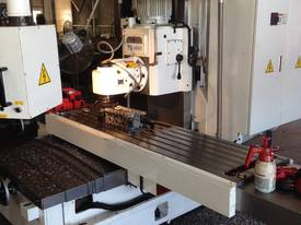 Quantum U-1600 Universal Bed type Milling Machines - picture2' - Click to enlarge
