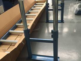 360MM X 3000MM ROLLER CONVEYOR & 3 LEG KIT - picture3' - Click to enlarge