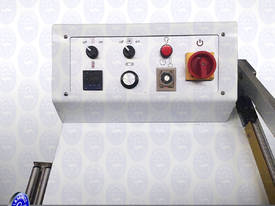 Sealing and Shrinking Machine - picture9' - Click to enlarge