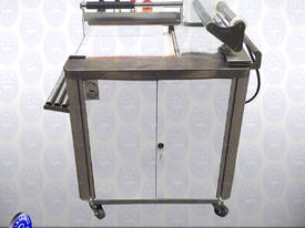 Sealing and Shrinking Machine - picture10' - Click to enlarge