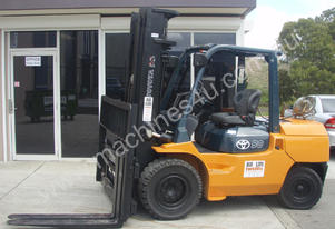 Toyota Used   Forklift