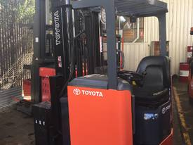 TOYOTA ELECTRIC HIGH  REACH TRUCKS 5M-8.5M LIFT   - picture0' - Click to enlarge