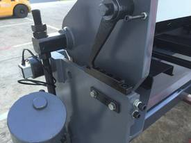 1270mm x 240Volt Guillotine & Panbrake Combo - picture12' - Click to enlarge