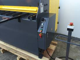 1270mm x 240Volt Guillotine & Panbrake Combo - picture15' - Click to enlarge