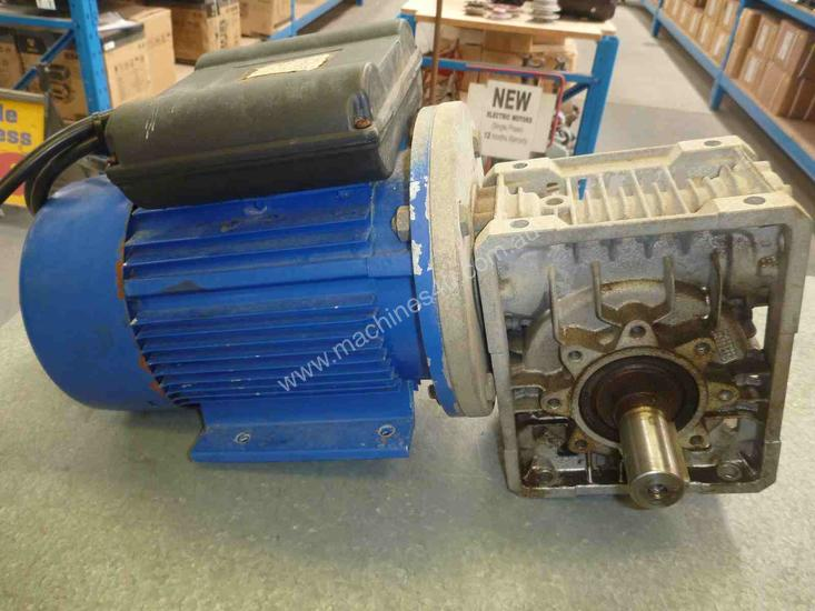 WESTERN ELECTRIC 240VOLT REDUCTION BOX MOTOR/ 49RP