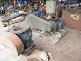 blower  rotary valve - picture2' - Click to enlarge