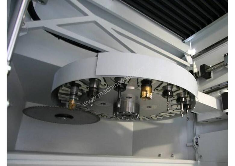 FOM Axel 5 Axis CNC Machining Centre