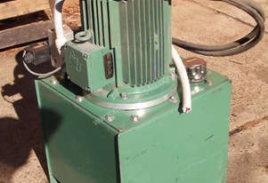 Hydraulic Power pack 7.5 Kw + Directional control