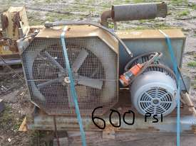 HP AIR COMPRESSOR  - picture2' - Click to enlarge