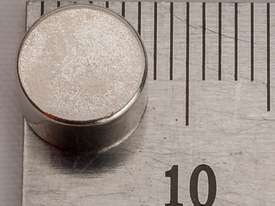 Rare Earth Magnets - 8mm x 3mm - Pk 10 - picture2' - Click to enlarge