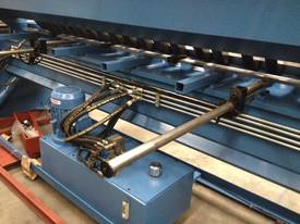 SM-FHPB3204 3200mm X 4mm Full Hydraulic - picture8' - Click to enlarge