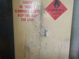 Trafalgar flammable goods cabinet - picture0' - Click to enlarge
