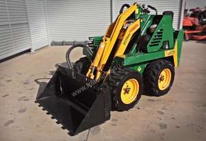 DA625 Kanga Loader + 4in1 Bucket