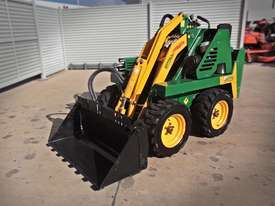 DA625 Kanga Loader + 4in1 Bucket - picture0' - Click to enlarge