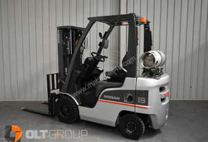 Nissan P1F1A18DU 1800kg Capacity Forklift LPG Sideshift Container Mast