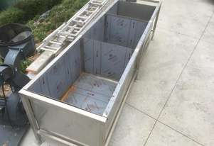 STAINLESS STEEL TROUGH (LARGE)