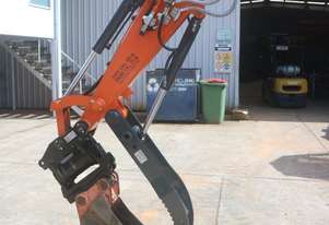 Gardner Engineering Australia Hitach U48 Tilt Hitch & Thumb