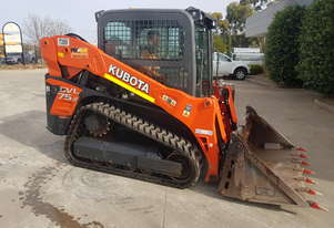 KUBOTA SVL75 TRACK LOADER IN EXCELLENT CONDITION WITH LOW 560 HOURS. 2017 MODEL