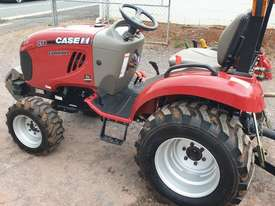 Case IH 25B with 4' Gal slasher - picture2' - Click to enlarge