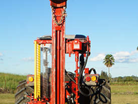 PRICE REDUCED Farm Force Series 5 High Lift Hydraulic Post Driver - picture0' - Click to enlarge