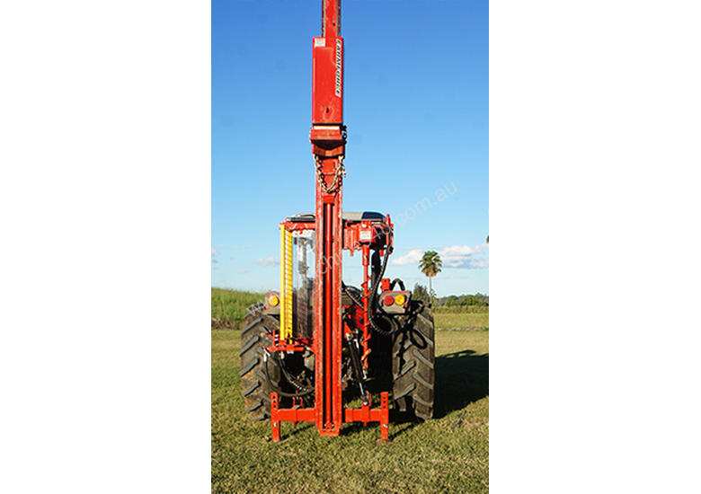 PRICE REDUCED Farm Force Series 5 High Lift Hydraulic Post Driver