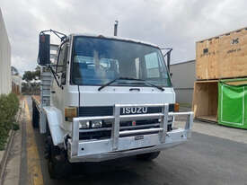 Isuzu FVR900 Tray Truck - picture2' - Click to enlarge