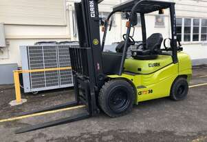 Like-New Refurbished 3.0t LPG Container CLARK Forklift