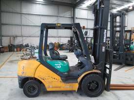 3 ton  4,500mm lift - picture3' - Click to enlarge