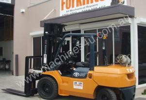 Toyota Forklifts ALH059