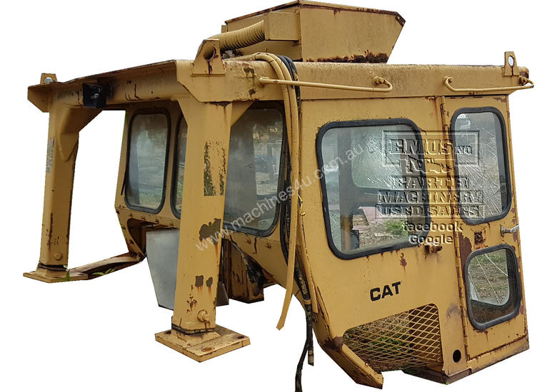 CAT D7E or D7F Cabin