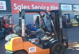 TOYOTA FORKLIFT CONTAINER MAST 8 SERIES 2.5 TON