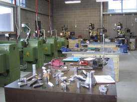Ajax Chin Hung 430mm & 530mm High Quality Taiwanese Lathes - picture16' - Click to enlarge