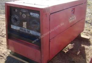LINCON ELECTRIC DIESEL POWERED WELDER - LOT 80
