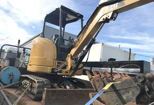 Cat 303r 3.5 tone excavtor only 450 hrs